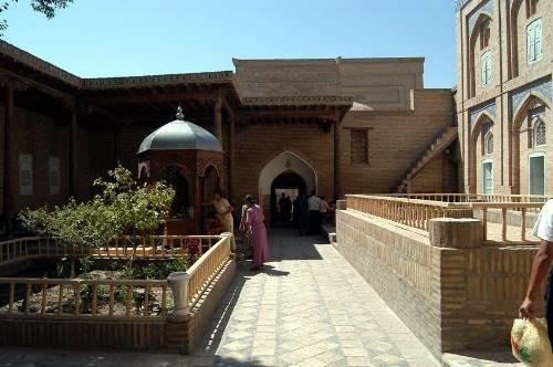 3. Pahlavon Mahmud maqbarasi